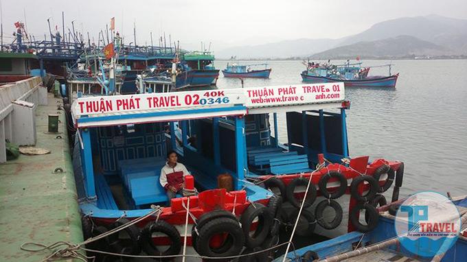 Thuê tàu Cam Ranh, thuê tàu tham quan đảo Bình Ba 2